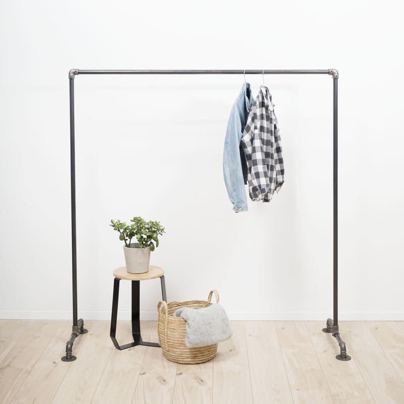 le portant v tements en acier fabriqu en france l 39 ordonn. Black Bedroom Furniture Sets. Home Design Ideas