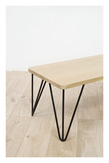 Table avec pied en épingle